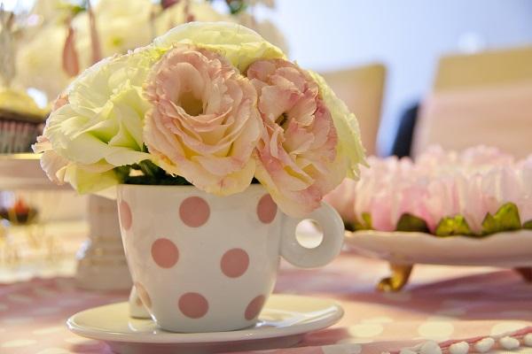 Um Chá só para Princesas   Feito em Casa itens decorativos festa princesa festa feito em casa festa decoração de festas decoração de aniversário chá de fraldas chá de bebê aniversário princesa aniversário menina aniversário